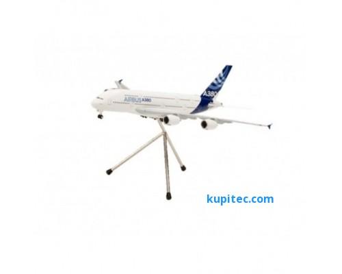 Модель А380 в масштабе 1: 200 пластиковая